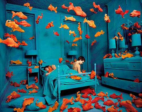 Installation with goldfish by Sandy Skoglund