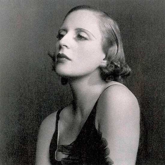 Portrait photograph of Tamara de Lempicka
