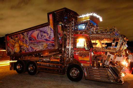 decorated trucks of Japan, dekotora