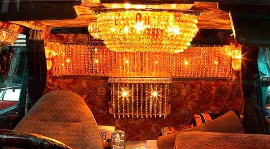 decorated trucks of Japan, dekotora, interior view