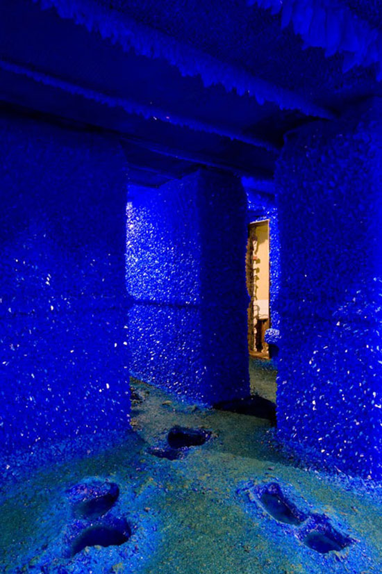 Roger Hiorns Seizure installation of blue crystals