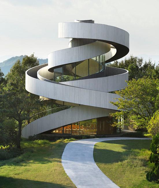 """Hiroshi Nakamura & NAP Architects """"Ribbon Chapel"""""""